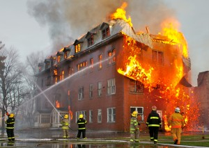 Incendio devoró peleteria